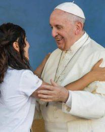 """Il Papa ai giovani: """"Oltre la cultura del Provvisorio""""."""