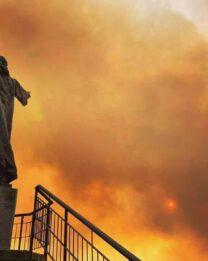 Incendi, che tragedia! La vicinanza dell'Arcivescovo e della Chiesa diocesana ai centri colpiti.